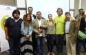Panelistas junto al equipo de la Escuela de Periodismo y el Instituto de Humanidades