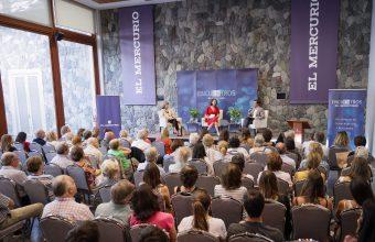 Humanidades participó en Encuentros de El Mercurio